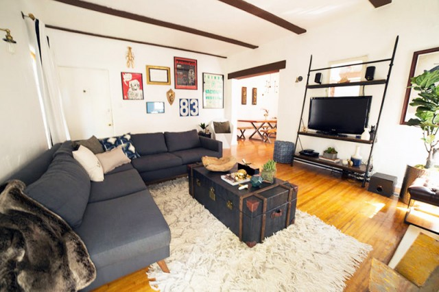 you-can-now-rent-kurt-cobain-courtney-loves-apartment-on-airbnb-2