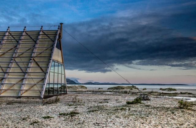 worlds-largest-sauna-agora-salt-festival-norway-designboom-09
