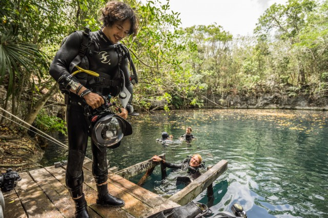 Ballantine's Presents Benjamin Von Wong's Underwater River - BTS 5